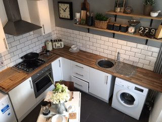 Norwich City Center - Stylish home with parking. For 4 guests.