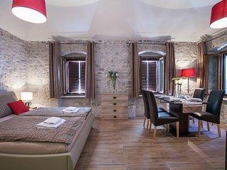 Studio Apartments Anna 1