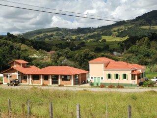Chácara, Sítio, Casa de Campo com piscina e churrasqueira