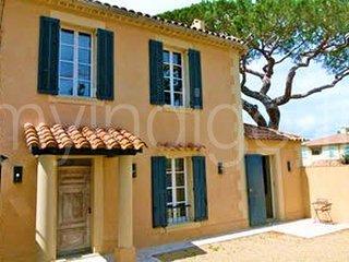 Villa climatisee 4 chambres avec jardin & parking