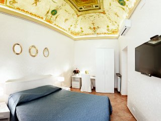 PANTHEON/NAVONA APARTMENT IN THE HEART OF ROME