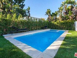 LOCATION! Beverly Hills/WEHO 4BD Heated Pool & Jacuzzi