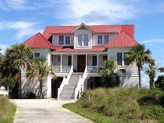 Lowcountry Elegance  Beachfront Charleston 10 Miles- Historic Dist/18 yds- BEACH