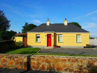 Modern, family-friendly cottage beside Lough Key, Co. Roscommon, Boyle