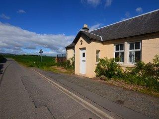 E1969 Cottage in Edinburgh, Danderhall