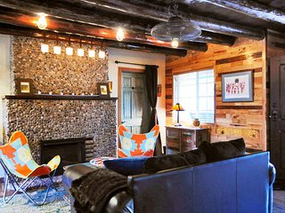 Rustic Charm Taos Private Retreat!