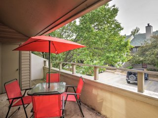 NEW! 2BR Oklahoma City Condo w/ 2 Community Pools!