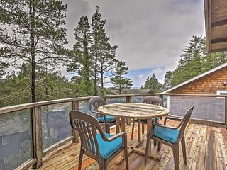 NEW! 3BR Manzanita House w/ Balcony & Ocean Views!
