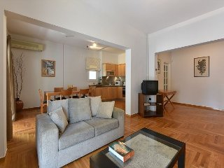 Beautiful Apartment just 200 meters from Victoria Square downtown Athens