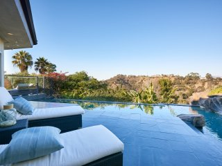 Hollywood Hills West Jewel
