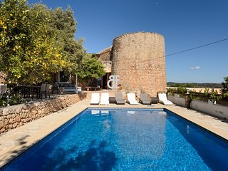 Villa Torreon is a villa characterized by a typical style from Ibiza, it has an
