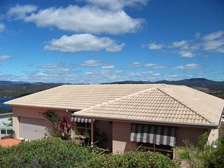 Hilltop Haven on Top Lake, Merimbula