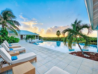 ENCORE... a fabulous contemporary villa with 6 huge master suites...
