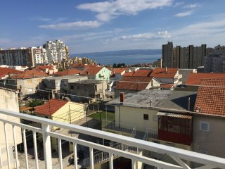 Apartment Marko - Three Bedroom Apartment with Balcony and Garden View