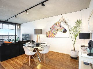StayCentral - NGV Arts Centre Retreat; near trams & CBD