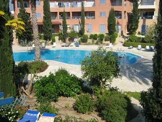 2 Bed Apartment - Paradise Gardens