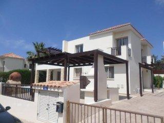 5 Bed Paphos Villa - Coral Bay