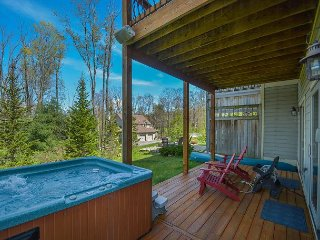 Conveniently located, spacious townhome with hot tub & pool table!