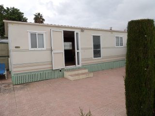 Oasis Park Albir mobile home with shared pool & nearby beach., El Albir