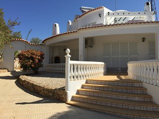 4 bedroom Villa in Albufeira, Algarve, Portugal : ref 2379835