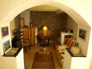 Oppede Holiday Home Sleeps 6 with Pool - 5250916