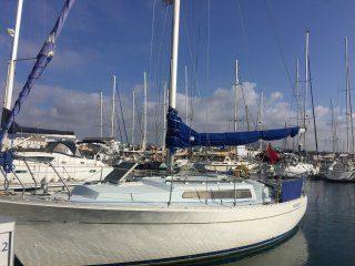 Boat to let in the sun for holiday accommodation