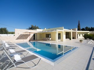 5 bedroom Villa in Lagoa, Algarve, Portugal : ref 2380020
