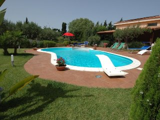 Paparella Holiday Home Sleeps 7 with Pool Air Con and WiFi - 5696582