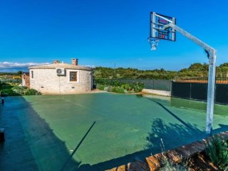 1 bedroom Villa in Fazana, Istria, Croatia : ref 2380033