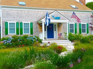 Katama Gem-near South beach, town, bike path, Edgartown
