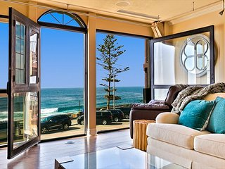 JULY SPECIAL - Elegant Oceanfront Home in Village w/ Spa, Walk to Everything