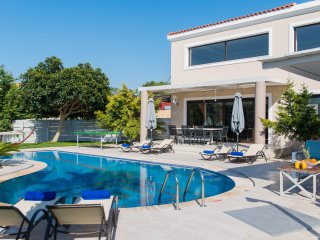 Villa Joanna-Spacious and Luxurious near Rethymno!
