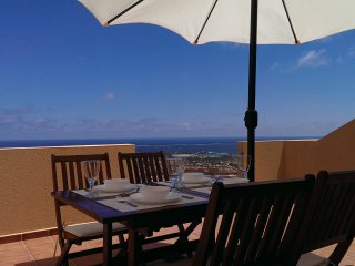 This stunning 2 bedroom duplex has magnificent views over the ocean, Caleta de Fuste