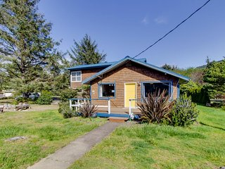 Dog-friendly home with a game room, close to the beach and Nedonna Lake!