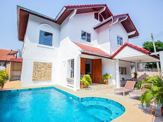 Naklua 4 Bedroom 5 Bathroom Private Pool Villa