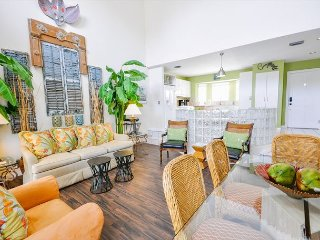 Duval Square Penthouse: A large, beautiful condo steps from the action, Key West