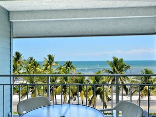 Sunshine, beaches, and ocean breezes at Ocean Vista (La Brisa #403E)
