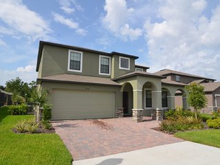 Beautiful 5 bedroom 4.5 bath home 6 miles from Disney from $188nt