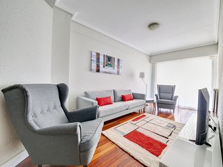 1 min walking from Concha beach + PARKING (OPTIONAL), San Sebastian - Donostia