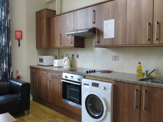 A bright 1-Bedroom Flat in Bayswater, Hyde Park, London, 1A