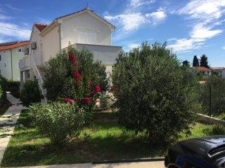 Apartments Villa Tribunj****
