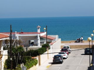 APARTAMENTO VISTAS MAR PISCINA PLAYA A 50 M