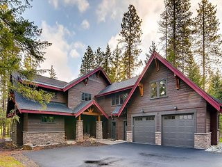 Last Min Avail Mem Day! 4 En Suites|7th Hole, Hot Tub, Private Patio w/ VIEWS, Cle Elum