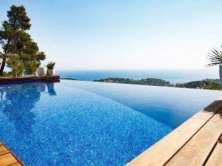 3 bedroom Villa in Lloret de Mar, Catalonia, Spain : ref 5251183