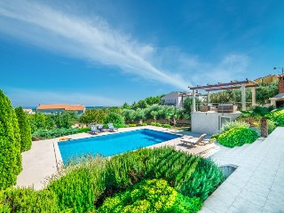 5 bedroom Villa in Medulin Liznjan, Istria, Croatia : ref 2380181
