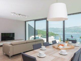 3 bedroom Apartment in Korcula-Zrnovska Banja, Island Of Korcula, Croatia : ref