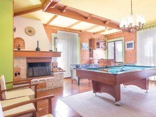 5 bedroom Villa in Pula-Muntic, Pula, Croatia : ref 2380528