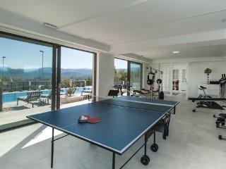 7 bedroom Villa in Makarska-Imotski, Makarska, Croatia : ref 2381217