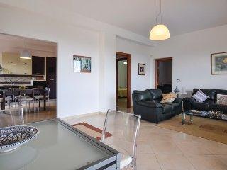 5 bedroom Villa in S. Nicola L ´Arena, Sicily North, Italy : ref 2382358, Ventimiglia di Sicilia