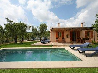3 bedroom Villa in Sant Llorenc Des Cardassar, Mallorca : ref 5023